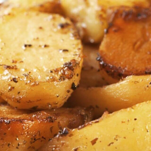 Lemon roasted potatoes with herbs greek cuisine