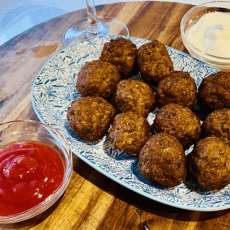 Greek meatballs with beef mince recipe ( Keftedakia recipe )